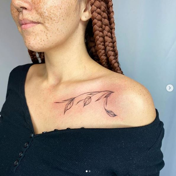 Peekaboo Designs - Flower - 2020 Tattoo Trends - Chosen Art Tattoo - Image Credit Belongs to Humble Bee Tattoo